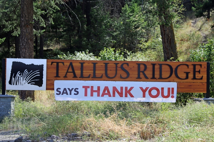One of nearly 30 thank you signs posted around the community.