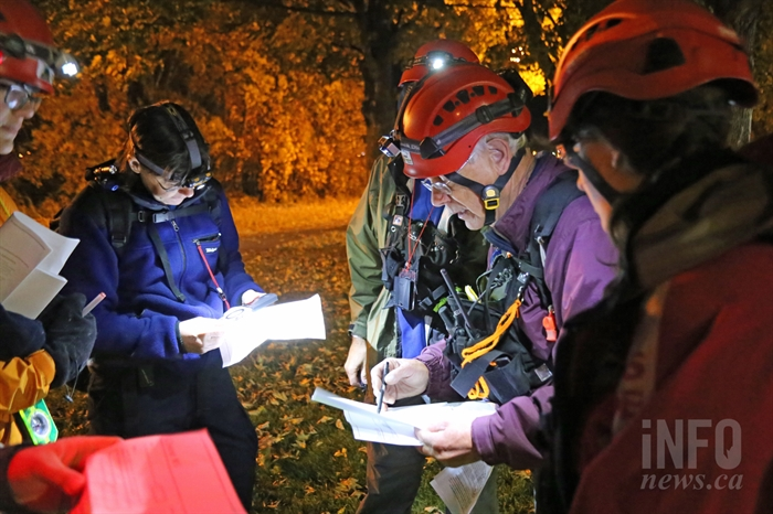Kamloops Search and Rescue members train at Riverside Park Monday night.