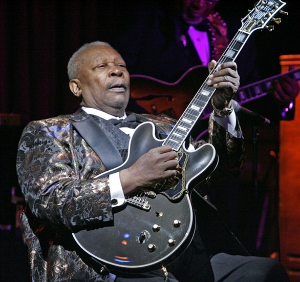 In this April 18, 2006 file photo, B.B. King plays during his 10,000th career performance in an appearance at his club in New York.