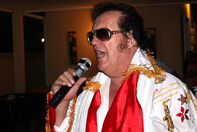 Melonie Dodaro's father, who went by the stage name Colin Young, is now an Elvis impersonator in Thailand.