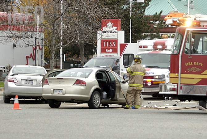 A crash on Harvey Avenue and Richter Street around noon on Friday, Nov. 6, 2015 blocked traffic in all four directions.