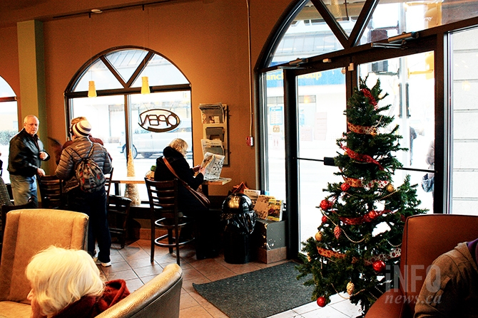 It's a sure sign of Christmas when Penticton's Blenz coffee shop decorates their store for the festive season.