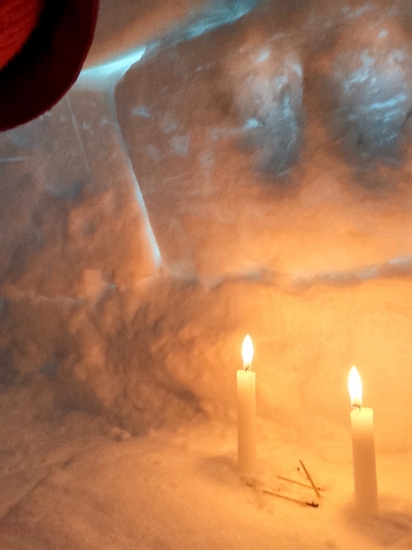 A couple candles kept the interior of the igloo toasty warm.