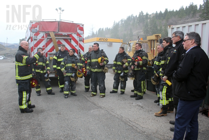 Members of the Tk-emlups te Secwepemc and City of Kamloops councils listen to a briefing from Kamloops Fire rescue on the drill about to happen, Monday, March 14 2016.