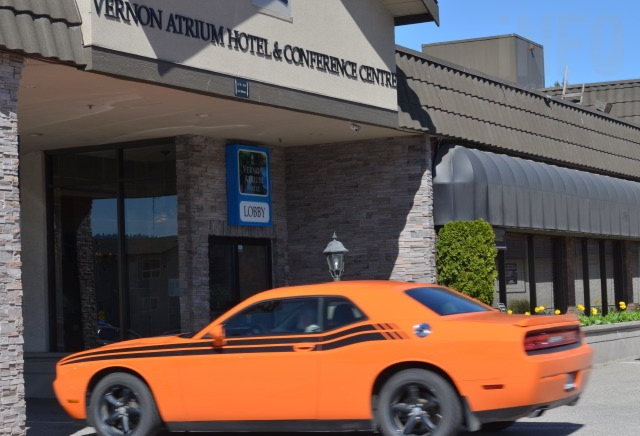 A car pulls in to the Vernon Atrium Hotel in Vernon.