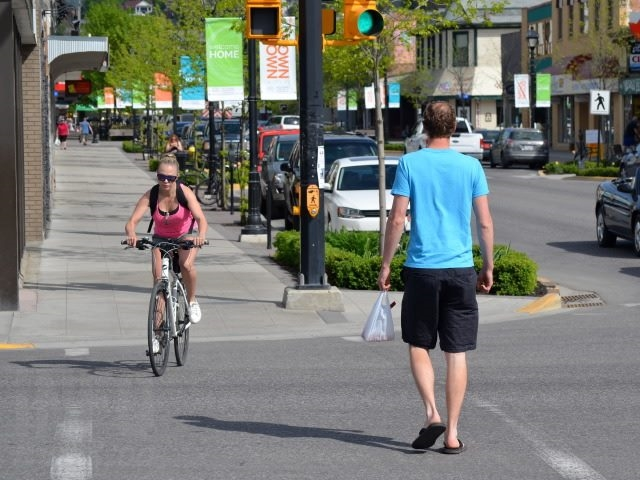 Tank tops and shorts are common sight in Downtown Vernon this week.