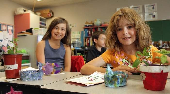 Emma Todor, left, and Mary Pendleton enjoyed making their Mother's Day gifts.
