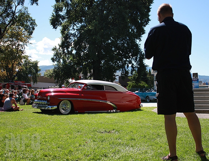 Penticton Mayor Andrew Jakubeit chooses Gavin and Marlene Parsons 1950 Mercury as his Mayor's Choice at the Penticton Peach City Beach Cruise on Sunday, June 26, 2016.