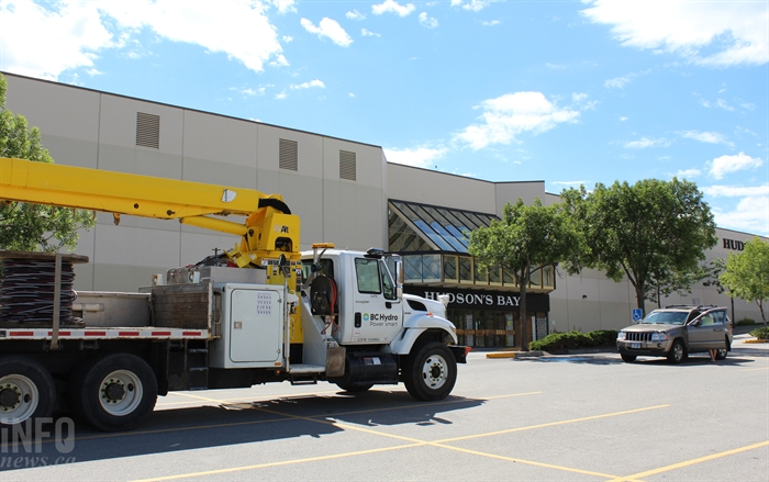 BC Hydro crews responded to Aberdeen Mall after a power outage prompted an evacuation.