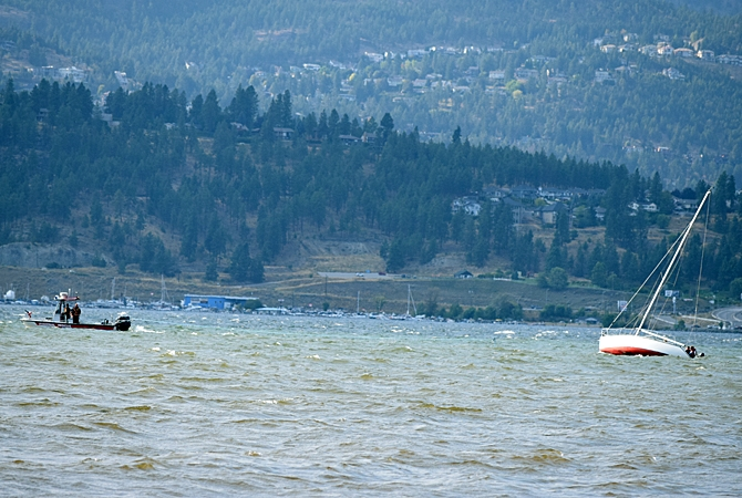 A sailboat has run aground in Okanagan Lake during heavy winds Aug. 31.