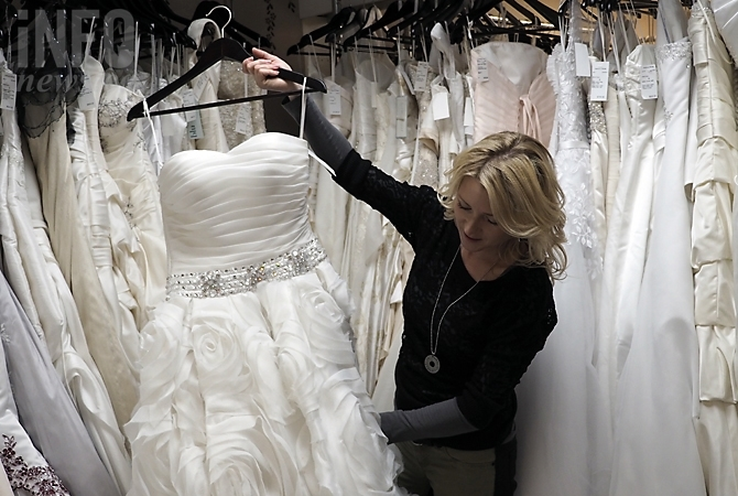 Love it forward' at Kelowna's only wedding dress consignment store ...