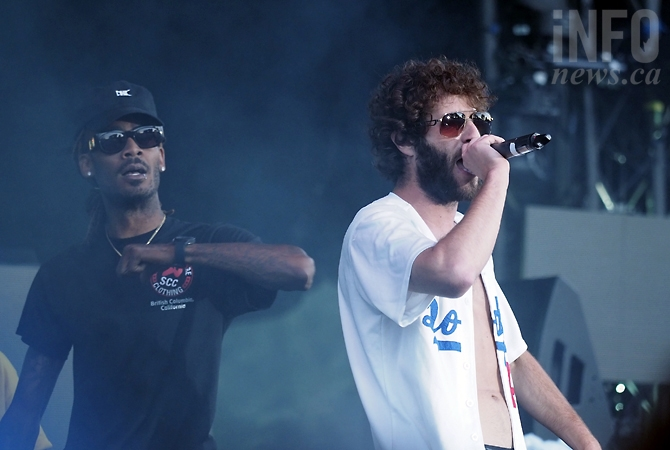 Lil' Dicky opened for Snoop at Centre of Gravity 2017.