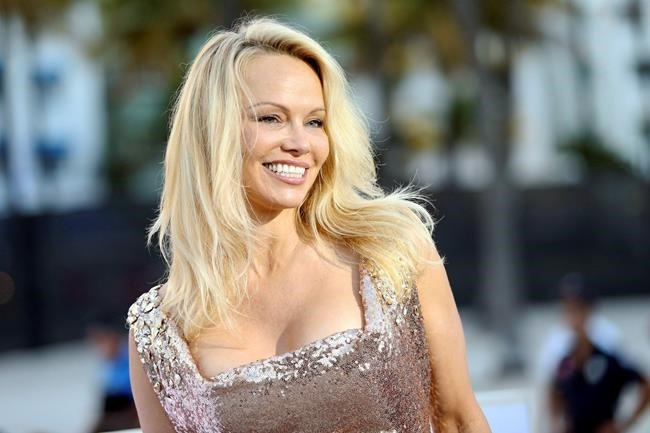 Former Playboy Models Pamela Anderson, Shannon Tweed Pay -3844