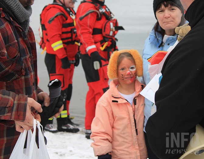 Alyvia Gordevich of Peachland was awarded for being the youngest participant at the Summerland Kinsmen's Polar Bear dip at Sun Oka Beach today, Jan. 1, 2018.