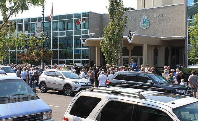 Approximately 100 enthusiastic supporters were on hand at Penticton City Hall this afternoon to hear former Councillor John Vassilaki announce his candidacy for mayor.