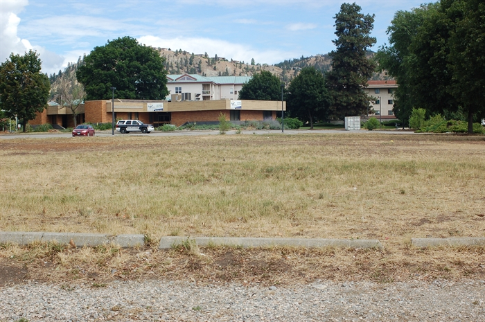 This field, where the Farmers Market has now expanded to, can hold an additional 50 vendors.