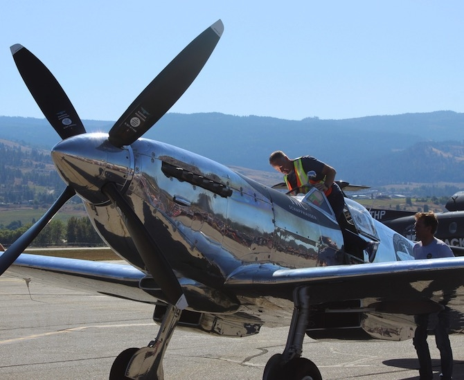 iN PHOTOS: Round the world Spitfire flight arrives in