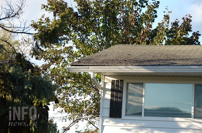 A fire that gutted a house in the 1200 block of 35 Avenue in Vernon, Thursday, Sept. 27, 2019, damaged the roof and exterior of a neighbouring property.