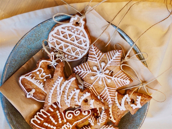 Holiday cookies galore available at Christmas Markets make the perfect centrepiece for your table.
