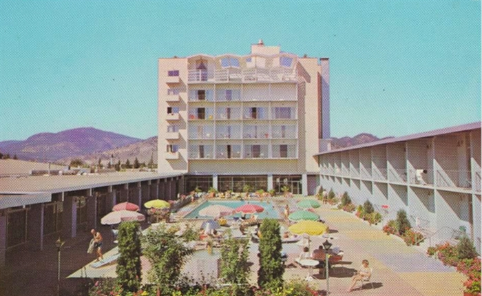 The Capri pool, from a late 1960's post card.