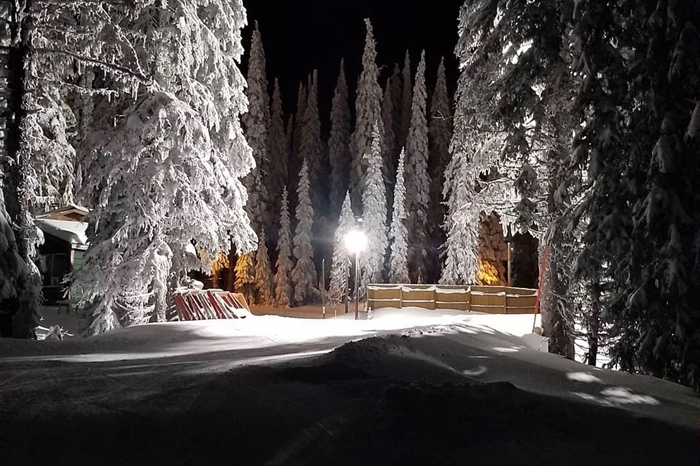 Beautiful night skiing at Sovereign Lake