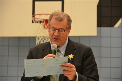 Liberal incumbent Steve Thomson took a walk down memory lane last night, reading out his very own first grade report card from the former Anne McClymont Elementary School. His teacher made comments about Thomson being too chatty in the classroom.
