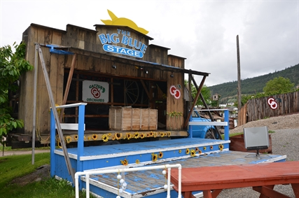 In July a three-day Woodstock themed concert will draw crowds to the orchards. The music stage also hosts live entertainment for weddings.