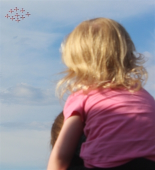 This child has the best seat to watch Canada's Snowbirds perform their trademark aerial acrobatics.