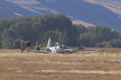A small single engine plane crashed at the Kamloops Airport Saturday afternoon.