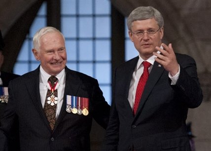 Stephen Harper, with Governor General David Johnston, promised a  trade deal with the EU in the throne speech.