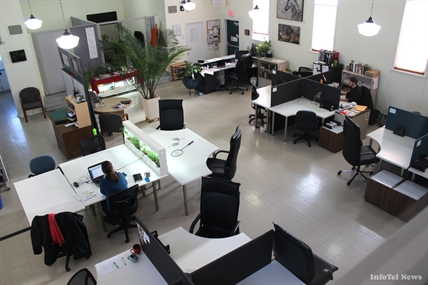 Cowork Penticton is a flexible office environment where professionals came set up, meet one another and share ideas.