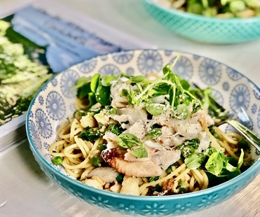 Crab & peas pair perfectly in this delicious pasta dish- and don't forget to pair it with bubbles!
