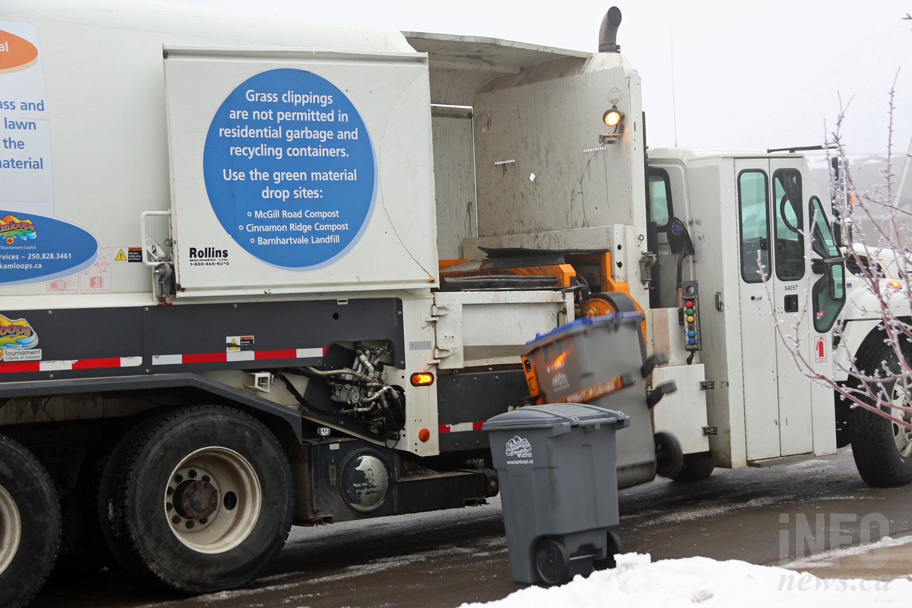 Holiday changes to curbside collection and landfill hours ...