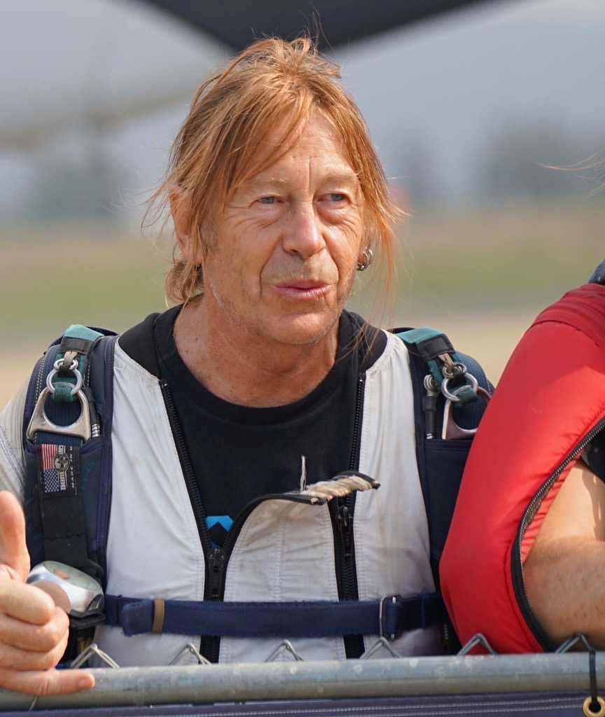 66-year-old Kamloops skydiver one of 61 to make record-breaking