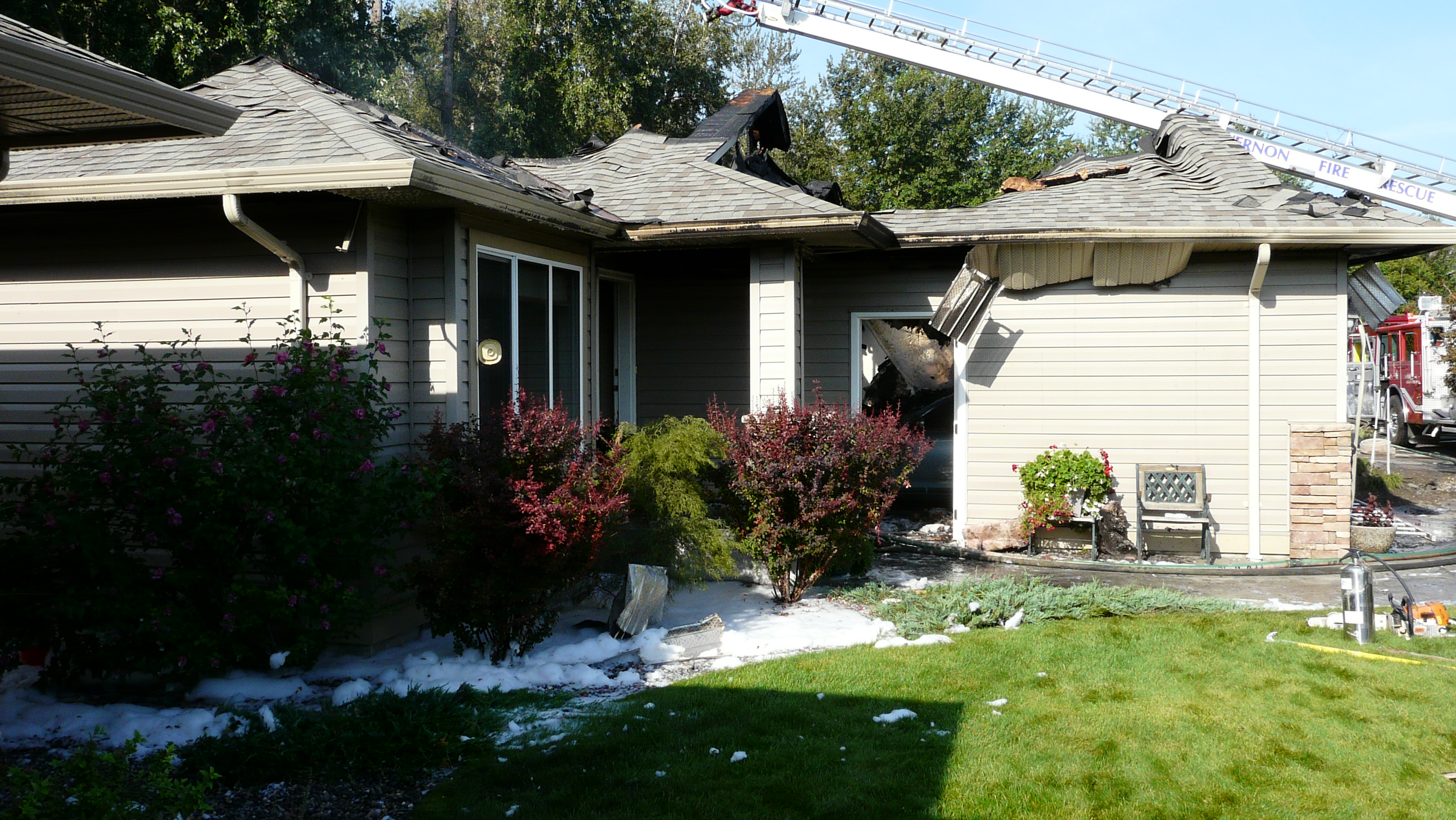 Natural Gas Feeds Flames Destroys Two Vernon Homes Infonews