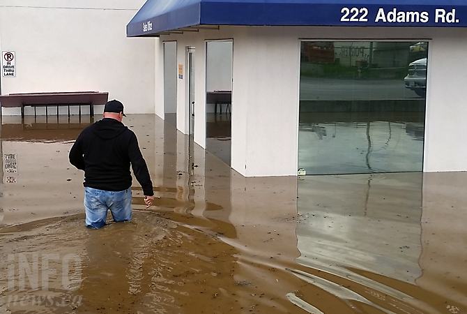 kelowna businesses flooded as forecast calls for more rain overnight