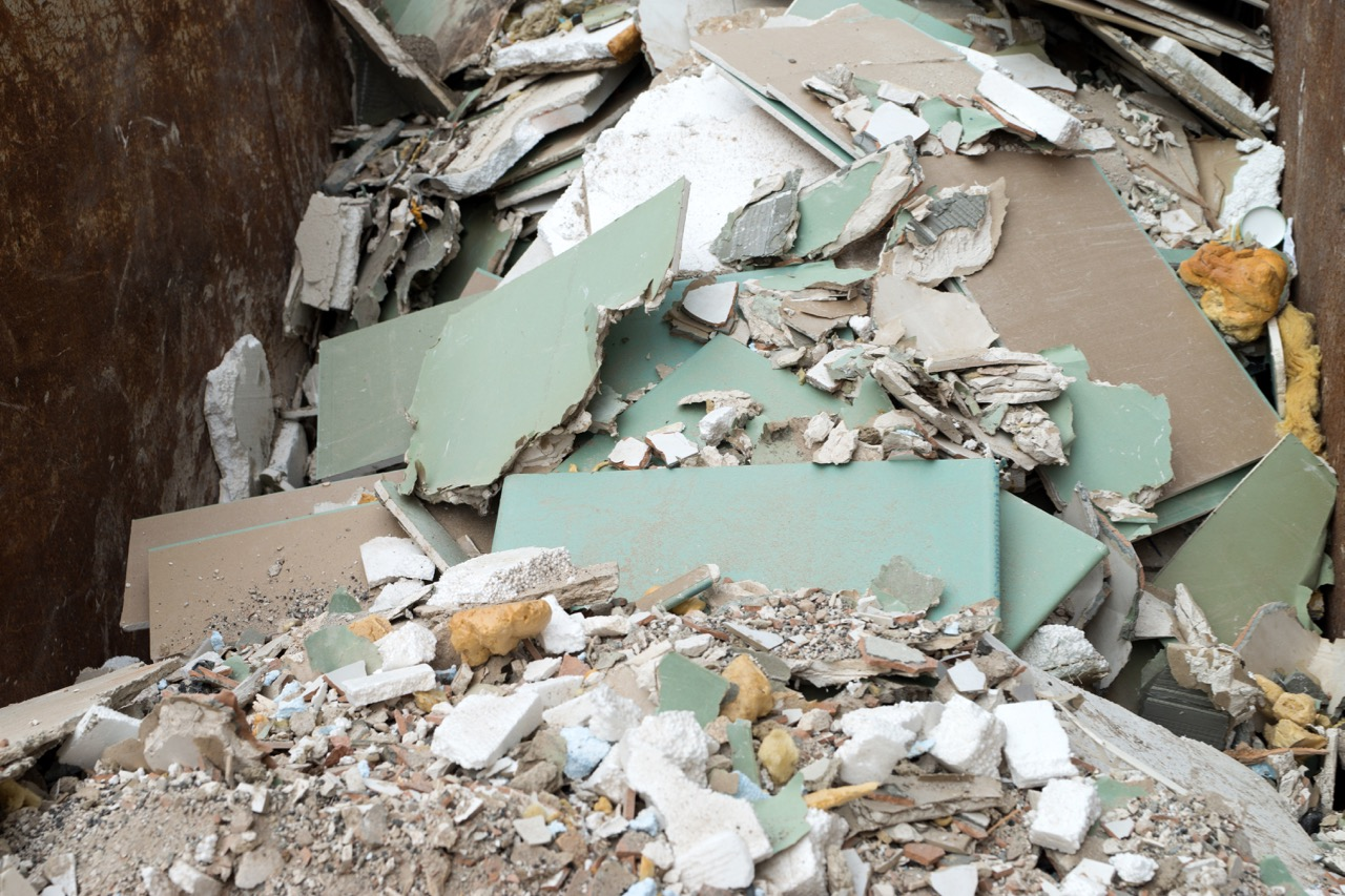 Asbestos concerns put a halt to drywall recycling at for Is there asbestos in drywall