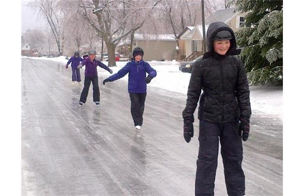 Video A Bad Situation Ice Storm Snarls Travel And Cuts